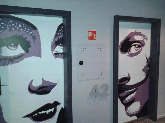 Casati Budapest Hotel: Door to the room