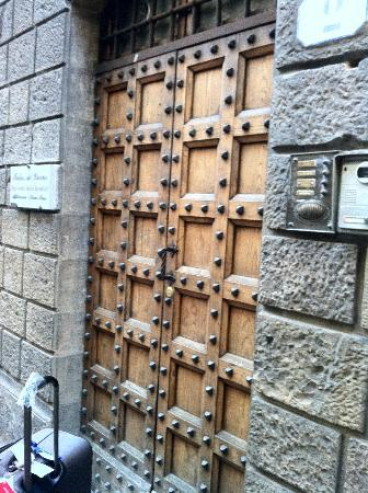 Relais del Duomo: The doorbell on the right was difficult to locate
