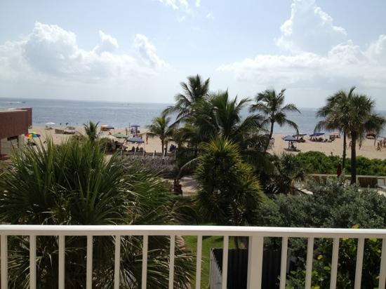 La Costa Beach Club Resort: view from room 315. many rooms have no beach view so ask