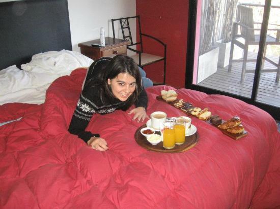 Hostal Aguas Mansas: desayunando en la habitación!