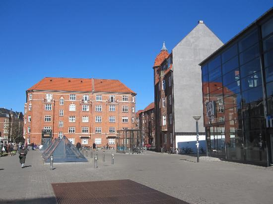 Denmark: Amager Centret / Amagerbro