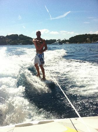 Cap Ferrat Watersports : Wake board? Check. Wake SURF? Bien sur