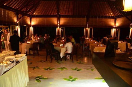 Wakatobi Dive Resort: Dinner time
