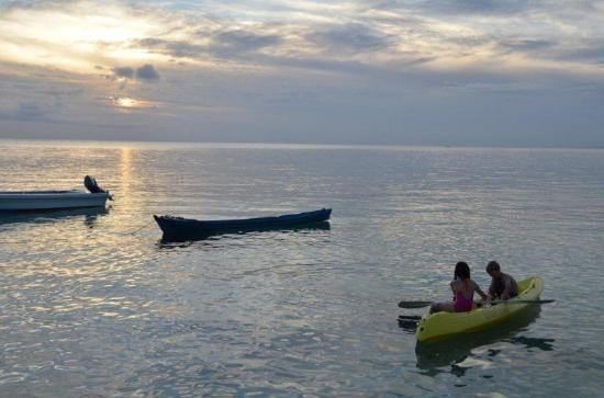 Wakatobi Dive Resort: Kayaking