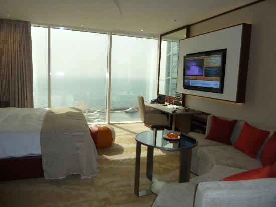Jumeirah Beach Hotel: New Club Exec Room