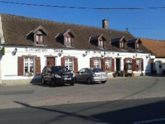 La Bonne Auberge : front of hotel