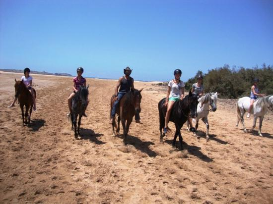 Equi Evasion: Riding without saddle at the beach - the most natural way