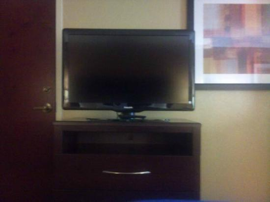 Comfort Inn & Suites: FLAT SCREEN TV'S IN ALL ROOMS