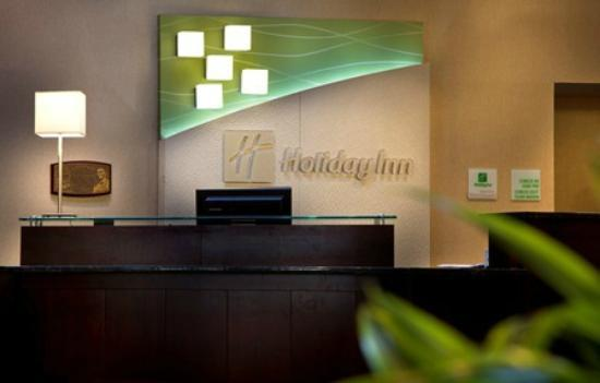 Holiday Inn Gurnee Convention Center: We strive to be a great hotel that guests love.