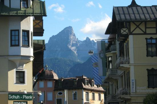Alpenhotel Brennerbascht : Mt views from town