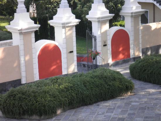 Ingresso giardino foto di relais villa buonanno cercola - Ingresso giardino ...