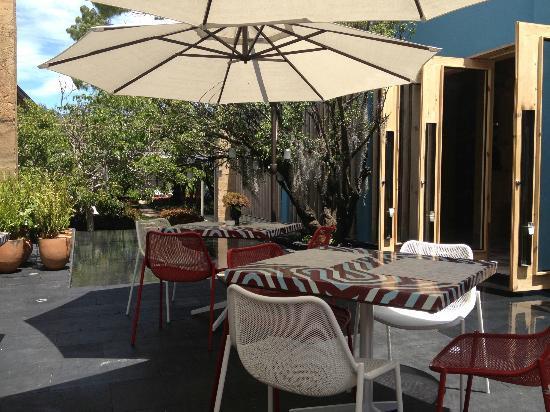 Hotel b¨o: terraza