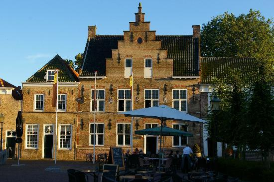 Het Raedthuys Restaurant & Suites