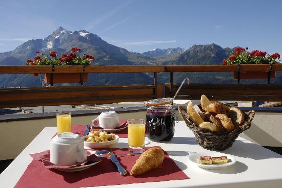 Vendredi 18 mars Petit-dejeuner-en-terrasse