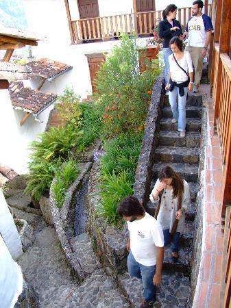 Hotel La Trucha Azul: Detalle de la Arquitectura