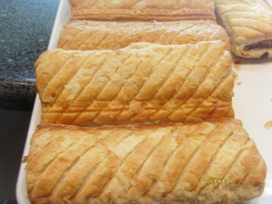 Brown Deli: Golden, flaky sausage rolls