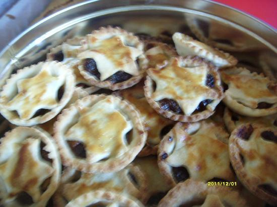 Brown Deli: Nannas mince pies, homemade mince, all butter pastry made by Nanna Brown