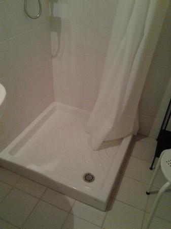 Masseria Ciancio: doccia camera