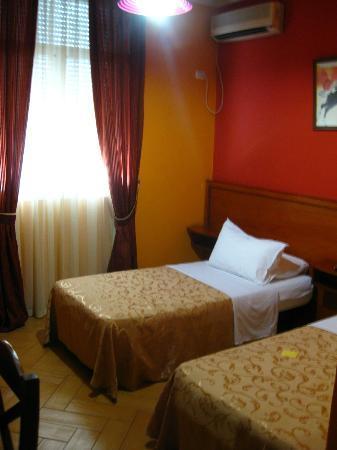 Hotel Nobel: Camas