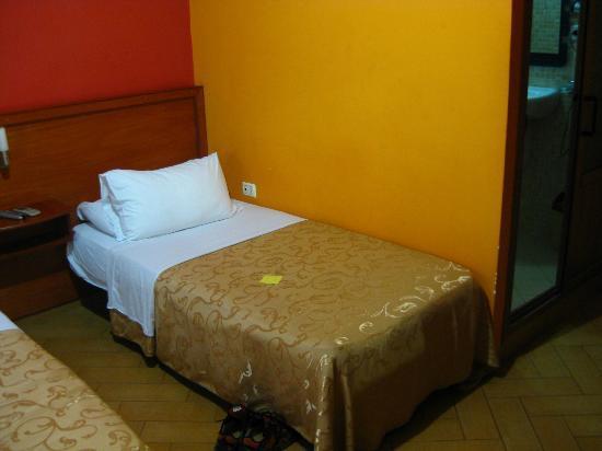 Hotel Nobel: Cama