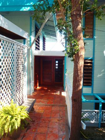 Aqua Bay Villas: Front entrance