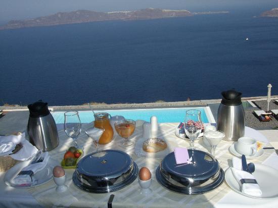 Anastasis Apartments: Breakfast bliss