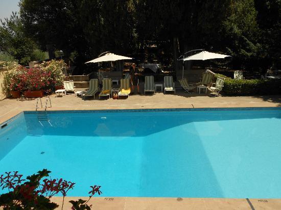 فيلا بامبوفيتي: Pool 
