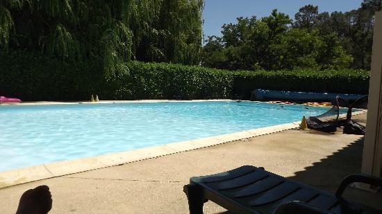 Village Vacances VTF Les Florans: piscine des florans
