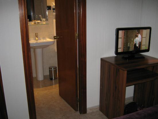 Hotel California: room 212