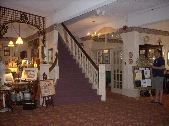 Inn of Cape May: lobby