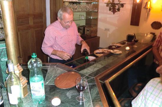Klein-Holland Gastehaus: De gezellige huisbar