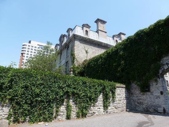 HI Ottawa Jail Hostel: Hotel