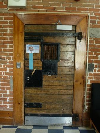 HI Ottawa Jail Hostel Secured door from lobby to different floor & Secured door from lobby to different floor - Picture of HI Ottawa ...