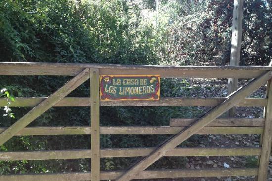 La Casa de los Limoneros: fence