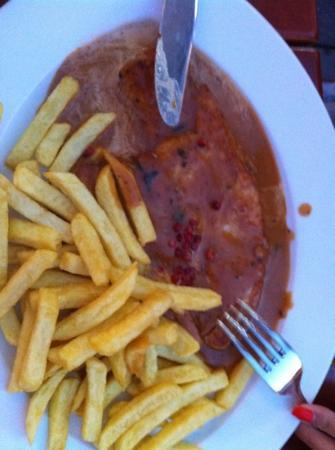 Schnitzelwirt : turkey with peper saus