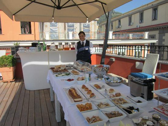 La Ciliegina Lifestyle Hotel : Breakfast on the roof