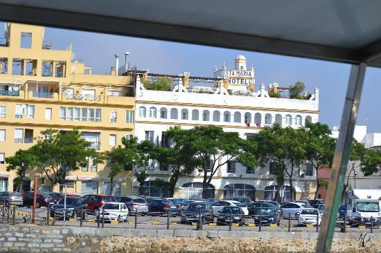 Los Jandalos Santa Maria: Facha desde el Baco a Cadiz