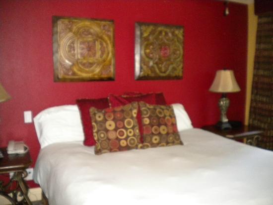 San Joaquin Suite Hotel: bedroom