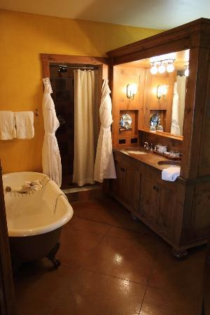 Mirbeau Inn & Spa Skaneateles: The most amazing bathroom and robes!