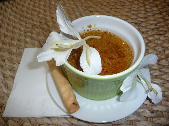 Waianuhea Bed & Breakfast: Evening desert: Green Tea Creme Brûlée with a White Ginger Flower