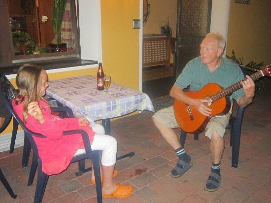 Hotel Pension Bergfrieden : Gemütliches Beisammensein