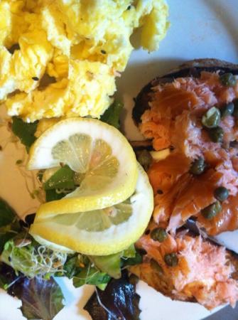 Cosmo's Cucina/O'Duffy's Pub: smoked salmon crostini