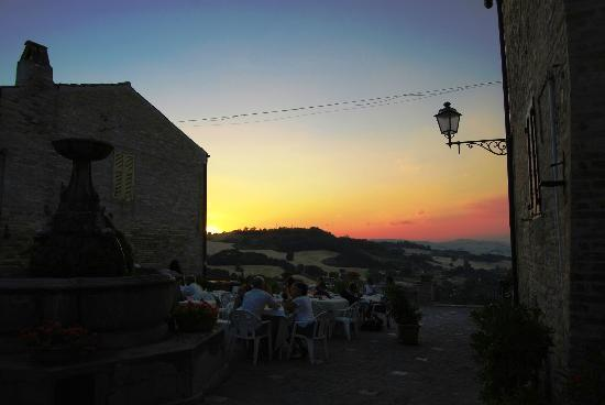 Ristorante Story Pizzeria: tramonto a Torre di Palme