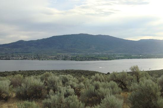Nk'Mip Campground & RV Resort: View of Osoyoos lake