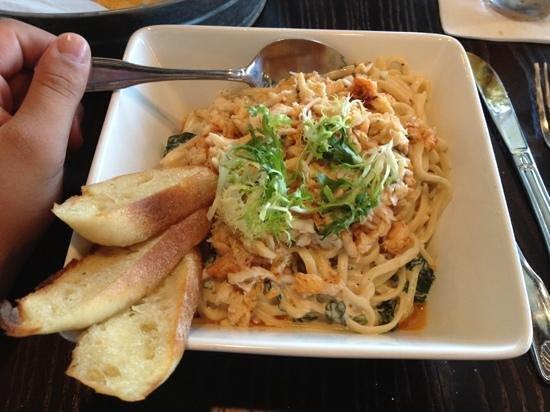 Nippers Beach Grill: Garlic Crab