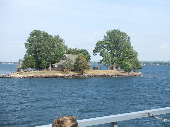 Gananoque Boat Line: Just one of the tiny islands passed