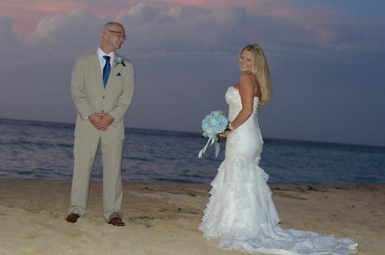 Jamaica Inn: beach wedding pic