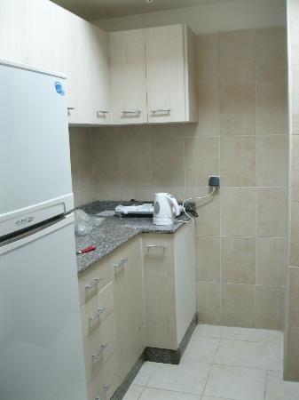 Sol Y Mar Ivory Suites: cucina