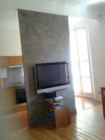 Maison Dauphine: TV, iPod dock, cable TV