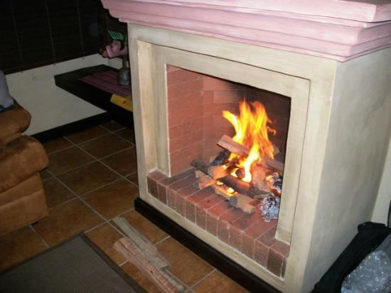 All Suite El Marques de Antigua: A nice fire.